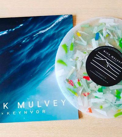 Veja o primeiro disco feito inteiramente de plástico retirado do oceano
