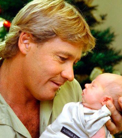 Esposa compartilha fotos inéditas do 'caçador de crocodilos' Steve Irwin e seu filho