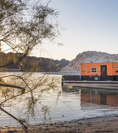 Esta casa solar pode ser levada pra onde você for, seja pela terra ou pelo mar