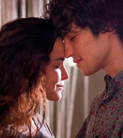 Com Alice Braga, 'Eduardo e Mônica', baseado em hit da Legião Urbana, ganha 1º trailer