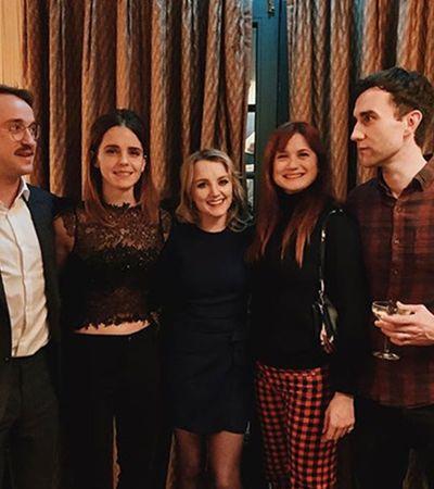 Emma Watson posta foto com elenco de 'Harry Potter' e zera o Natal