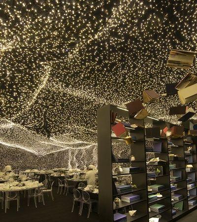 Restaurante com temática interestelar é iluminado por mais de 250 mil luzes de led