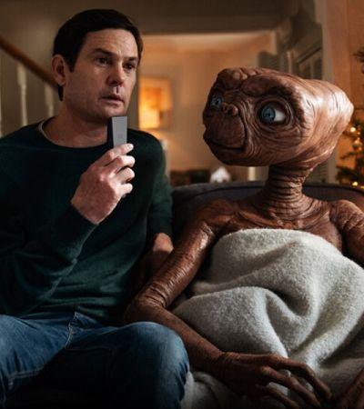 E.T. e Elliot se reúnem 37 anos depois em comercial emocionante de fim de ano