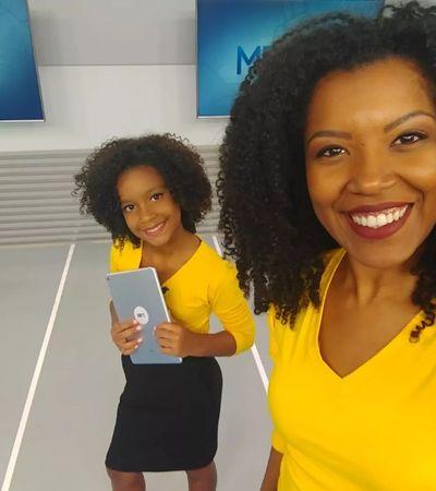 Maju Coutinho inspira e jornalista comanda noticiário ao lado de fã de 9 anos