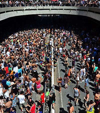 SP deixa Rio para trás como destino mais procurado no Carnaval e cariocas listam crises