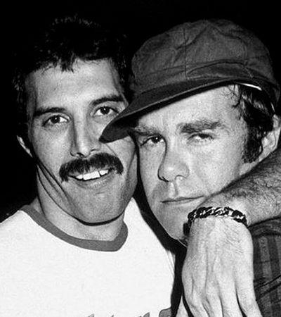 Amigos de Freddie Mercury recebem presentes do cantor 28 anos após morte