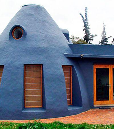Casa feita com sacos de terra na Colômbia é alternativa de baixo custo ao ar-condicionado