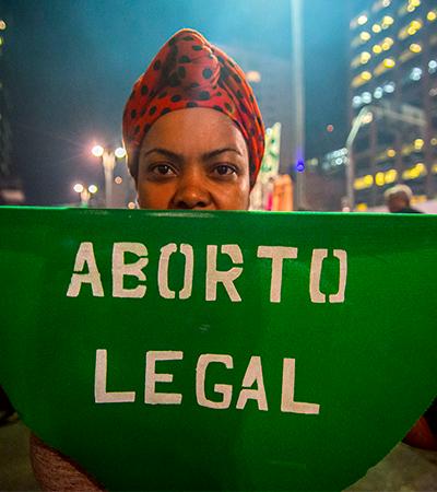 Aborto em Portugal cai 3%. Lá, procedimento não é crime desde 2007
