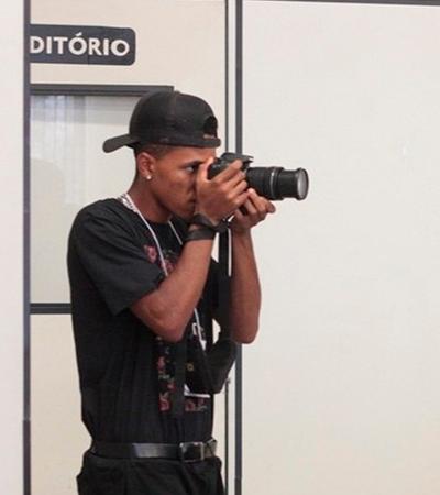 Jovem negro taxado de 'suspeito' por fotos em bairro de Jundiaí inicia carreira na fotografia