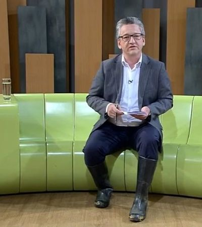 TV Cultura alaga e âncora pega carona em trator para apresentar jornal de galocha