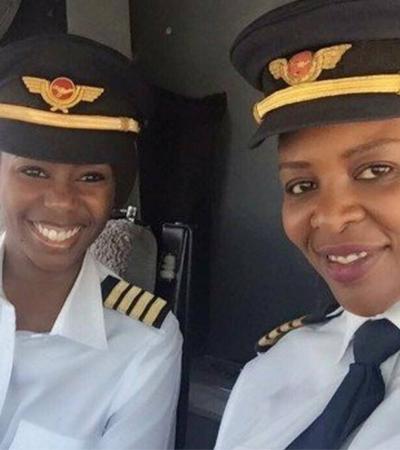 O dia em que duas negras africanas se tornaram a 1ª dupla de mulheres da história a pilotar um Boeing 737