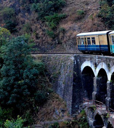 A viagem dos sonhos em percurso de trem tombado pela Unesco nos Himalaias indianos