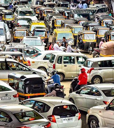 Na Índia, campanha faz semáforo voltar ao vermelho se os motoristas buzinarem demais