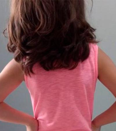 Casal é denunciado por vizinhos por deixar filho de 5 anos usar roupas femininas