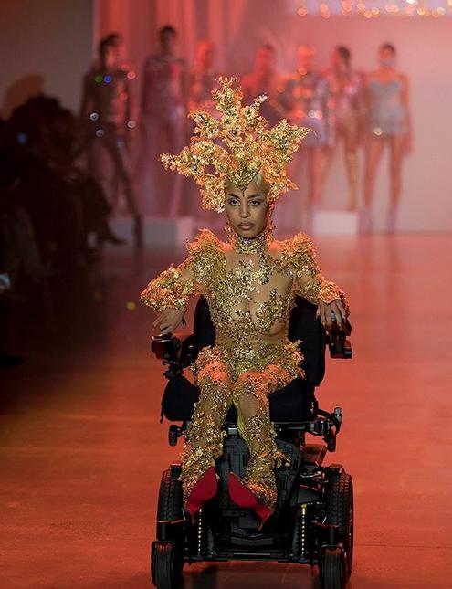 modelo cadeirante desfile ny 1