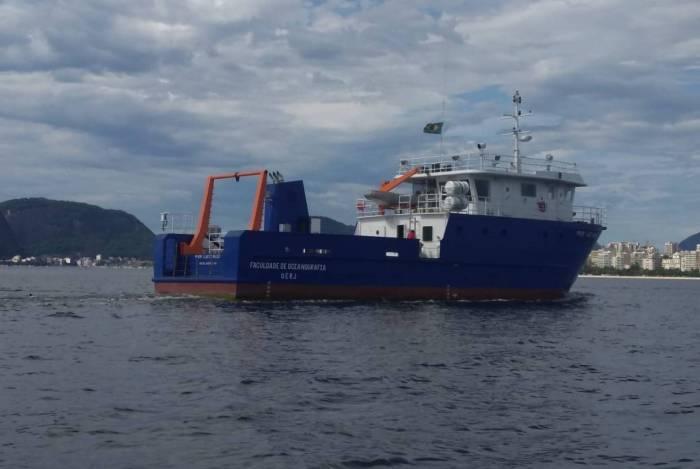 navio oceanogrfáfico brasil 1