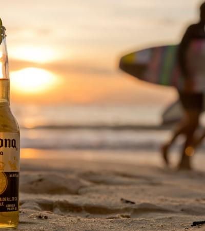 Corona vai dar cerveja grátis para quem 'fugir' do Carnaval; entenda