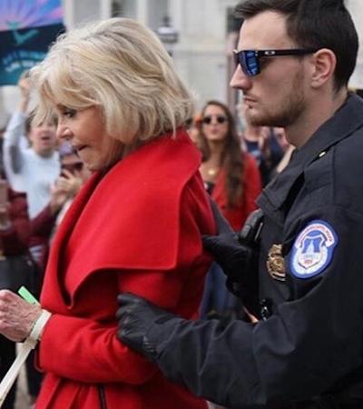 Jane Fonda diz que é hora de 'apelar para desobediência civil' em defesa do clima