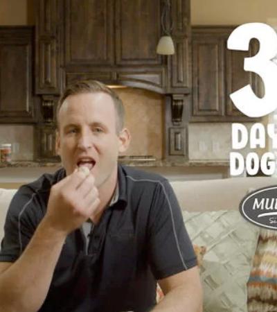 CEO come ração por 30 dias pra provar que sua marca é boa o suficiente para os cães