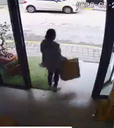 Mulher rouba 40 vibradores e dá de presente para vizinhas