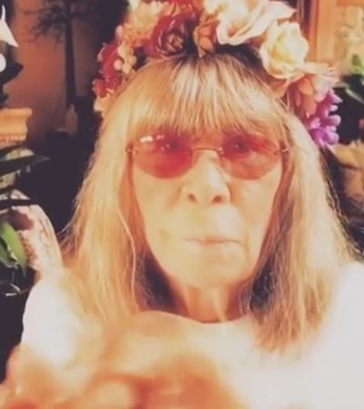 Rita Lee diz ser 'o vírus do amor' em vídeo lindo contra o coronavírus