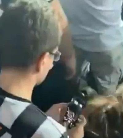 Torcedor grava e denuncia homem que filmava mulher por trás em estádio
