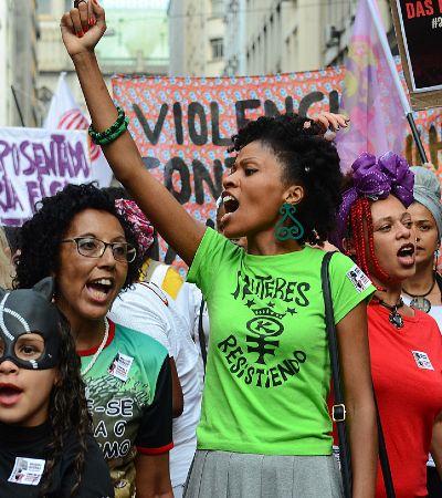 Marcha das Mulheres une milhares em grito contra o fascismo e o machismo