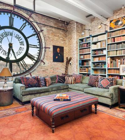 Apartamento surreal criado na torre de um relógio agora está à venda no Brooklyn