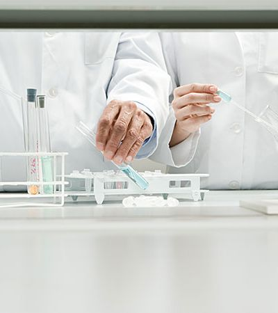 Coronavírus: Universidades desenvolvem teste 100% nacional e que dá resultado em 5 minutos