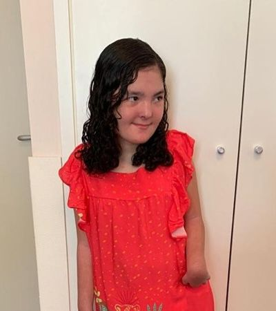 Fogaça posta foto da filha, que se trata com canabidiol, em pé pela primeira vez