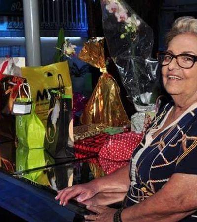 Idosa ganha serenata da família na janela para celebrar seus 83 anos