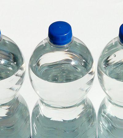 Enzima mutante capaz de reciclar garrafas PET em horas anima cientistas