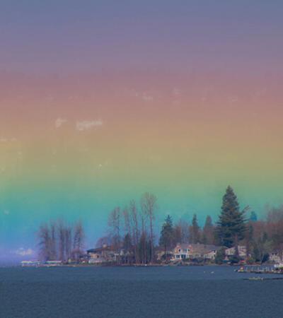 Fotógrafa capta momento único em que arco-íris horizontal preenche o céu inteiro