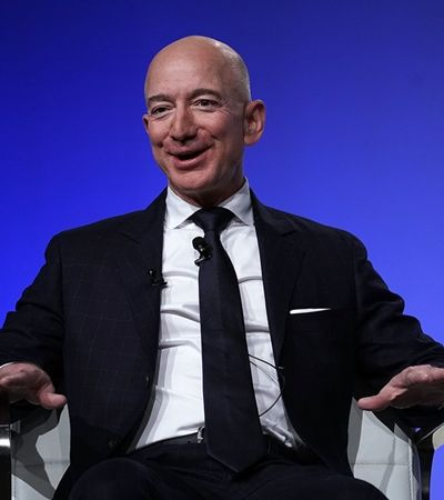 Jeff Bezos que lançar foguete espacial turístico em plena devastação por coronavírus nos EUA
