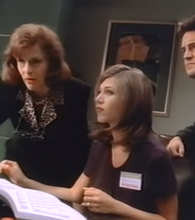 Jennifer Aniston e Matthew Perry nesse maravilhoso guia em vídeo para o Windows 95