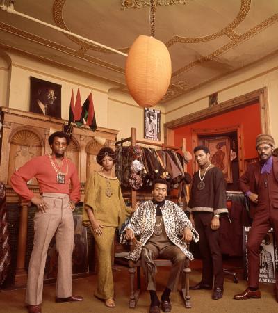 A boutique do Harlem que revolucionou a moda dos anos 1960 com estética e orgulho afro
