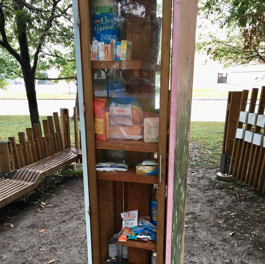 mini-bibliotecas-comida-1