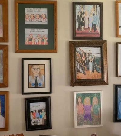 Ela substituiu retratos de família por desenhos e seus pais só notaram após 11 dias