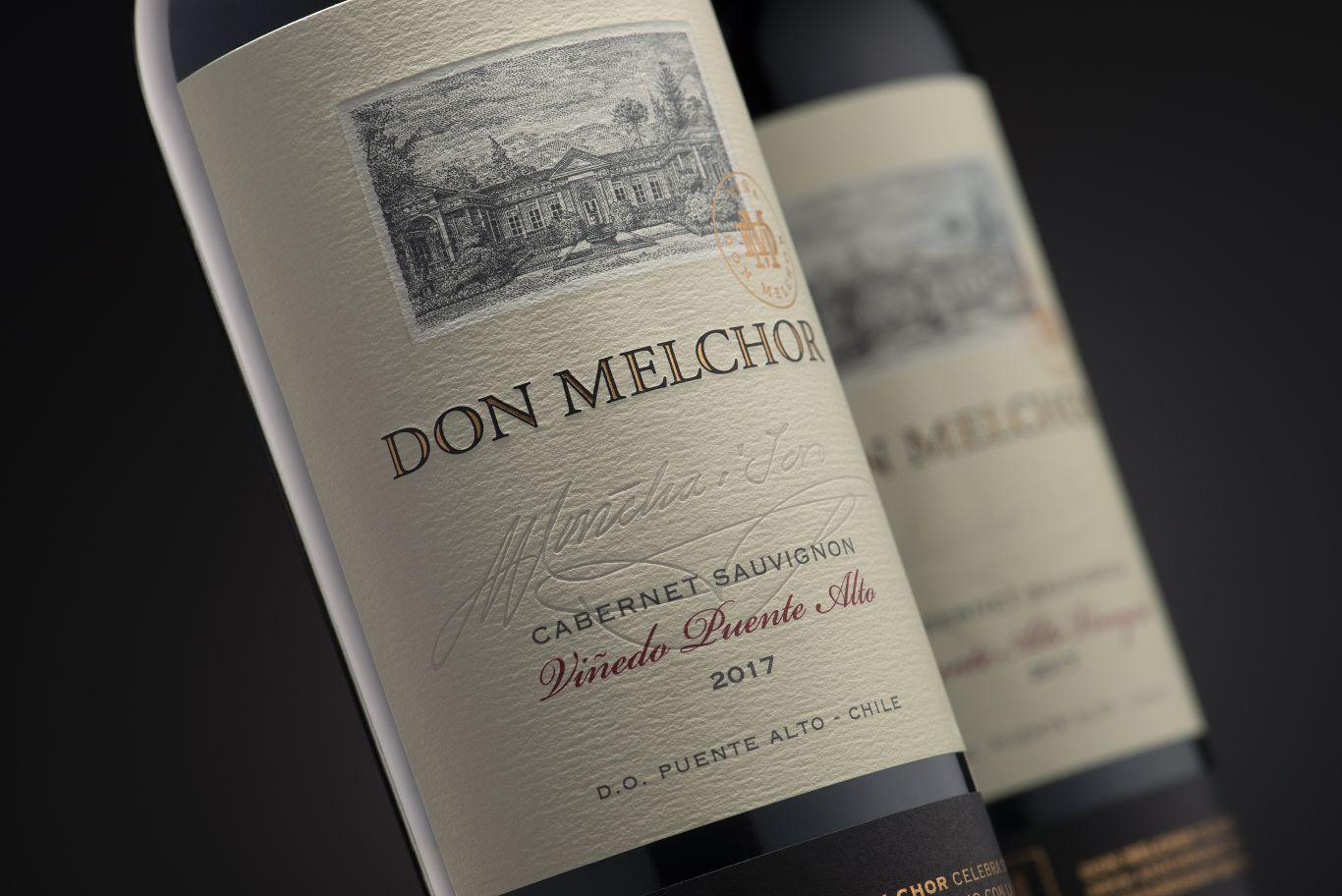 Rótulos de duas garrafas de vinho da marca Don Melchor