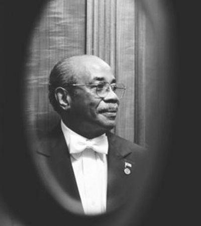 Coronavírus mata mordomo da Casa Branca de 91 anos que trabalhou para 11 presidentes