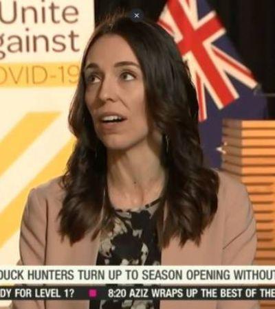 Nova Zelândia: primeira-ministra é surpreendida por terremoto no meio de entrevista
