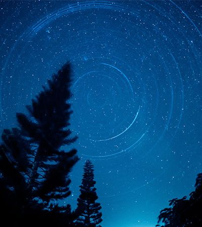 Nasa encontra universo paralelo criado pelo Big Bang onde tempo passa ao contrário