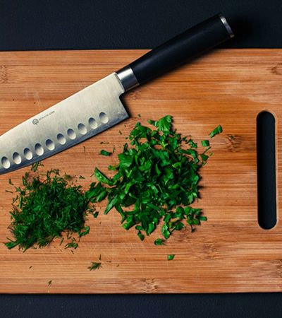Escolher a tábua de cortar alimentos certa é uma ciência complexa que vai transformar sua cozinha