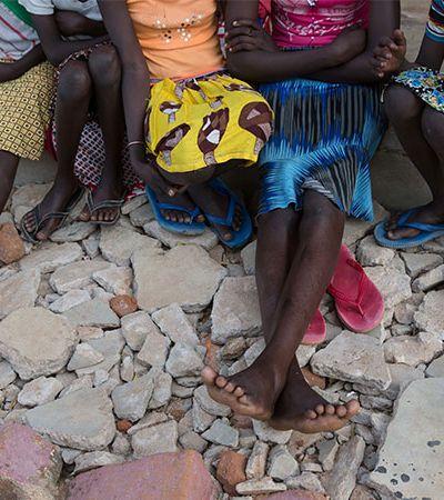 Sudão bane mutilação genital feminina, mas medo de prática permanece
