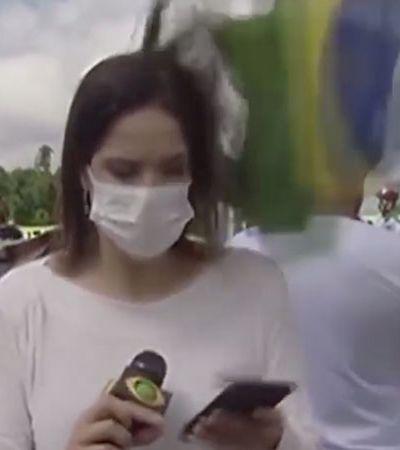 Jornalista agredida em protesto contra quarentena faz BO e diz que não vai parar