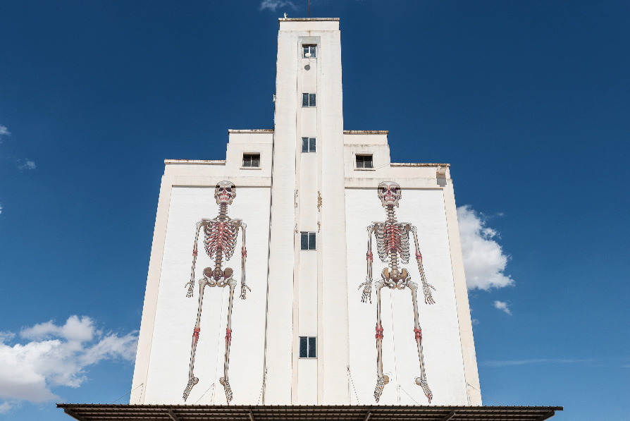 """""""The pillar of unified love"""", Nychos"""