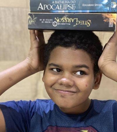 Garoto 12 anos apaixonado por livros ganha 800 mil seguidores após ataques racistas