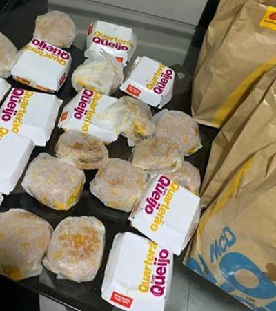 Garoto de 5 anos usa celular da mãe e pede 23 lanches do McDonald's em conta de R$ 225