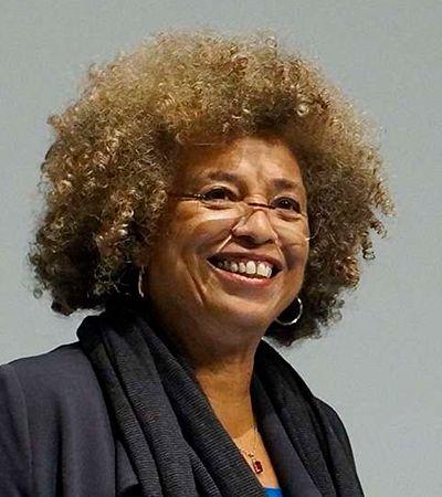 Oprah indica 9 livros essenciais de Angela Davis para entender sua história, sua luta e seu ativismo negro