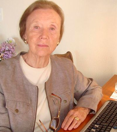 Professora que viveu na Alemanha nazista ensina inglês online no Brasil